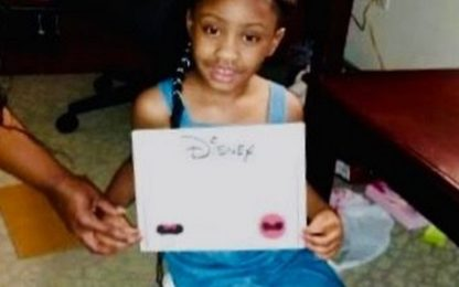 Barbra Streisand dona azioni Disney alla figlia di George Floyd