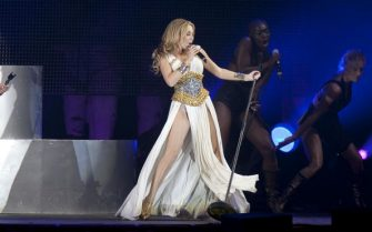 MADRID, SPAIN - JULY 03:  Singer Kylie Minogue performs at Gay Parade concert at Plaza de Espana on July 3, 2010 in Madrid, Spain.  (Photo by Eduardo Parra/Getty Images)