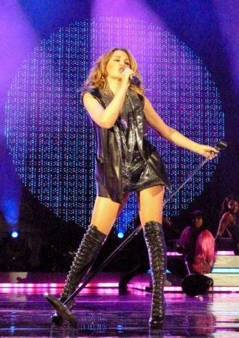 """LAS VEGAS - OCTOBER 03:  Singer Kylie Minogue performs on her first North American Tour, """"For You, For Me"""" tour at the Pearl Theatre in the Palms Resort Hotel and Casino on October 3, 2009 in Las Vegas, Nevada.  (Photo by Barry King/WireImage)"""