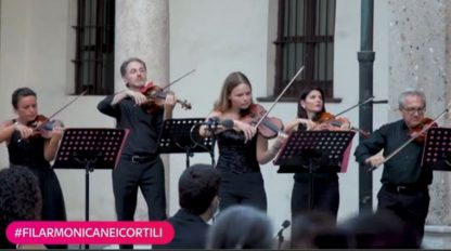 #Hashtagart, dal flashmob in lockdown ai concerti in cortile. VIDEO