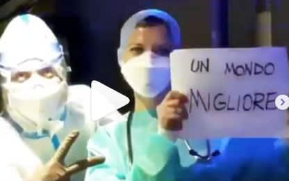 L'omaggio di Vasco Rossi agli operatori sanitari