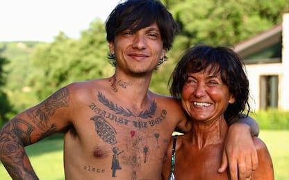 Ultimo, la foto con la mamma e il regalo speciale di Francesco Totti