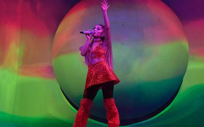 Ariana Grande posta una foto e ottiene oltre cinque milioni di like
