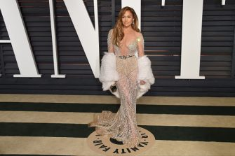 BEVERLY HILLS, CA - FEBRUARY 22:  Jennifer Lopez attends 2015 Vanity Fair Oscar Party Hosted By Graydon Carter at Wallis Annenberg Center for the Performing Arts on February 22, 2015 in Beverly Hills, California.  (Photo by Venturelli/Getty Images)