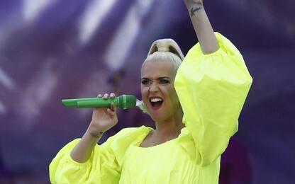 """Katy Perry, uscito il nuovo singolo """"Smile"""". La tracklist dell'album"""