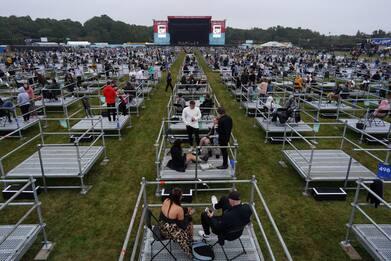 Musica da drive-in: a Newcastle i concerti al tempo della pandemia