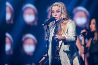 RUST, GERMANY - APRIL 11:  Anastacia performs during the Radio Regenbogen Award 2014 on April 11, 2014 in Rust, Germany.  (Photo by Simon Hofmann/Getty Images)