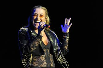 COLOGNE, GERMANY - JANUARY 20: Anastacia performs on stage at the Palladium on January 20, 2015 in Cologne, Germany. (Photo by Marc Pfitzenreuter/Redferns via Getty Images)