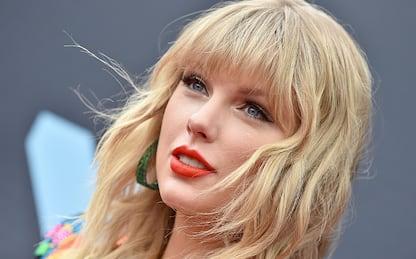 Taylor Swift, prima esibizione live con il singolo Betty