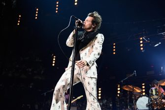 NEW YORK, NY - JUNE 21:  Harry Styles performs onstage during Harry Styles: Live On Tour - New York at Madison Square Garden on June 21, 2018 in New York City.  (Photo by Kevin Mazur/Getty Images for HS)