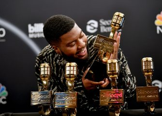 HOLLYWOOD, CALIFORNIA - OCTOBER 14: In this image released on October 14, Khalid poses backstage at the 2020 Billboard Music Awards, broadcast on October 14, 2020 at the Dolby Theatre in Los Angeles, CA.  (Photo by Amy Sussman/BBMA2020/Getty Images for dcp )