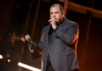 HOLLYWOOD, CALIFORNIA - OCTOBER 14: In this image released on October 14, Luke Combs accepts the Top Country Artist Award onstage at the 2020 Billboard Music Awards, broadcast on October 14, 2020 at the Dolby Theatre in Los Angeles, CA.  (Photo by Kevin Winter/BBMA2020/Getty Images for dcp)
