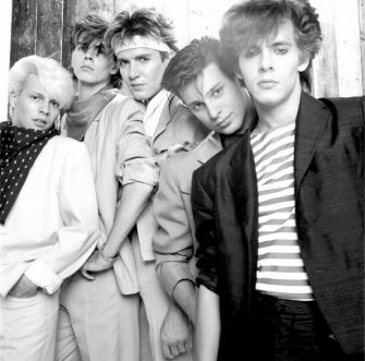 Group Portrait of British band Duran Duran in London, England in 1981. Left to right guitarist Andy Taylor, bassist John Taylor, singer Simon Le Bon, drummer Roger Taylor and keyboard player Nick Rhodes. (Photo by Michael Putland/Getty Images)
