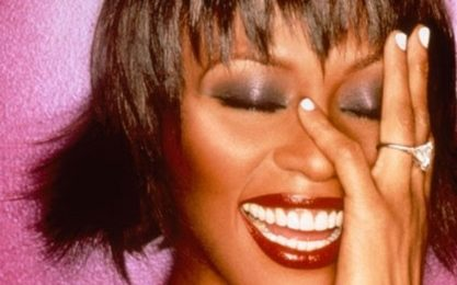 Whitney Houston nella leggenda, per la terza volta disco di diamante