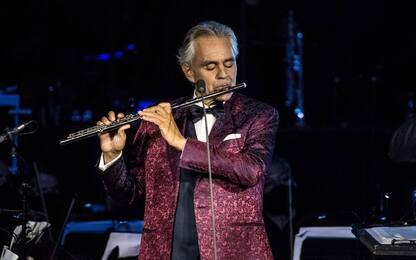 """Bocelli torna sul palco con """"Believe in Christmas"""" dal Regio di Parma"""