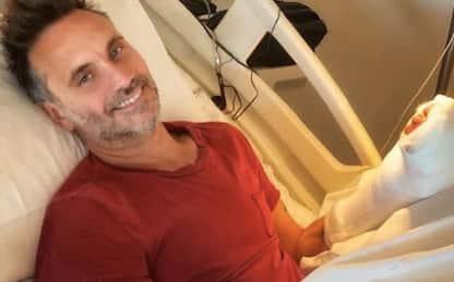 Nek, operato alla mano per incidente domestico: la foto dall'ospedale