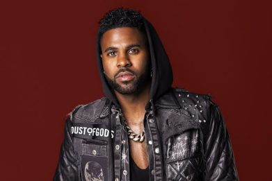 Jason Derulo lancia la nuova versione di Love Not War (The Tampa Beat)