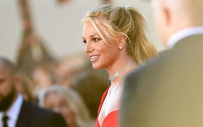 """Britney Spears, il testo dell'inedito """"Swimming in the stars"""""""