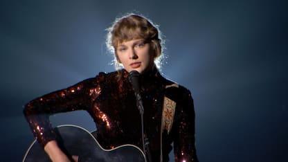 """""""Evermore"""": esce il nuovo disco di Taylor Swift"""