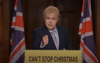 """Robbie Williams è Boris Johnson nel video di """"Can't Stop Christmas"""""""