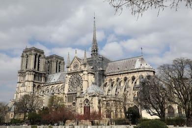 Natale, primo concerto a Notre Dame di Parigi dopo l'incendio del 2019