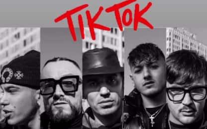 """Sfera Ebbasta: ecco il video di """"Tik Tok rmx"""""""
