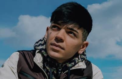 Dopo X Factor Blind presenta Promettimi feat. Guè Pequeno e Siciliano