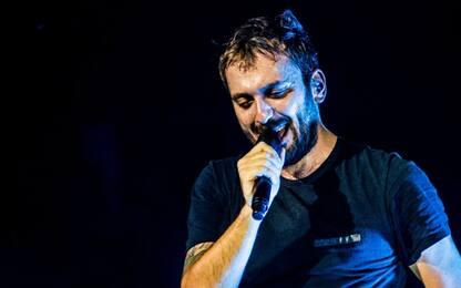 Cesare Cremonini canta in playback Diodato al Festival di Sanremo