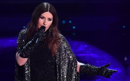 """Laura Pausini a Sanremo 2021 canta """"Io sì"""", la canzone Golden Globe"""