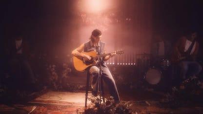 Achille Lauro cita il live Unplugged dei Nirvana nel video di Marilù