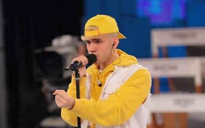 Amici 2021, Aka7even: chi è il cantante di Loca