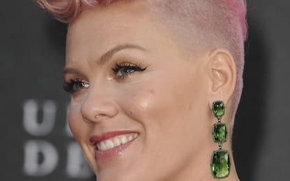 "Multa ad atlete norvegesi per rifiuto del bikini, Pink: ""Pago io"""