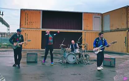 """Coldplay, è uscita la nuova canzone """"Higher Power"""". VIDEO"""