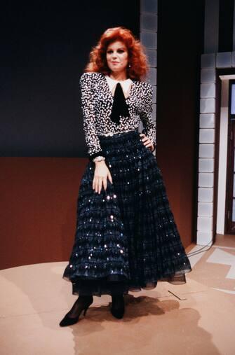 Milva 1980er - Die Italienische Sängerin Milva in den 1980er Jahren in einer deutschen Fernsehsendung. (Photo by ZIK Images/United Archives via Getty Images)