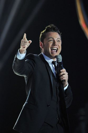 MONTE CARLO, MONACO - MAY 18:  Tiziano Ferro performs onstage during the World Music Awards 2010 at the Sporting Club on May 18, 2010 in Monte Carlo, Monaco.  (Photo by Pascal Le Segretain/Getty Images)