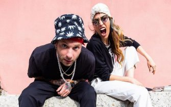 Il rapper Clementino insieme a Nina Zilli