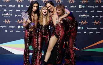 ROTTERDAM, NETHERLANDS - MAY 23, 2021: Ethan Torchio, Victoria De Angelis, Damiano David and Thomas Raggi (L-R) of the Maneskin rock band representing Italy, the winners of the 2021 Eurovision Song Contest Final, pose with the trophy during a news conference at the Rotterdam Ahoy Arena. Vyacheslav Prokofyev/TASS (Photo by Vyacheslav Prokofyev\TASS via Getty Images)