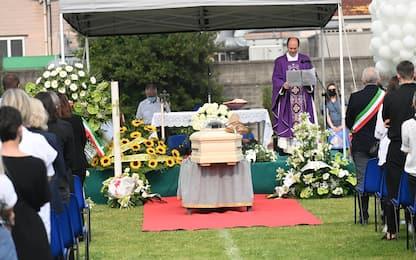 """Funerale Michele Merlo, il padre: """"Un dolore che non avrà mai fine"""""""