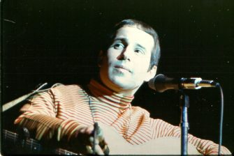 UNITED STATES - CIRCA 1960:  Photo of Paul Simon  (Photo by Paul Ryan/Michael Ochs Archives/Getty Images)