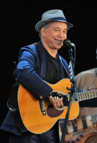 LONDON, ENGLAND - JULY 15:  Paul Simon performs the album 'Graceland' live on stage during the third day of Hard Rock Calling at Hyde Park on July 15, 2012 in London, England.  (Photo by Jim Dyson/Getty Images)