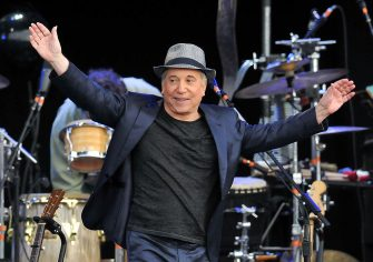 LONDON, ENGLAND - JULY 15:  Paul Simon performs the album 'Graceland' live on stage during the third day of Hard Rock Calling at Hyde Park on July 15, 2012 in London, England.  (Photo by Jim Dyson/WireImage)
