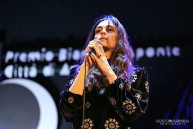 Premio Bianca D'Aponte 2021, vince Isotta col brano Io