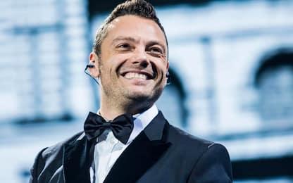 Tiziano Ferro, diretta live per i 20 anni di Rosso Relativo: info