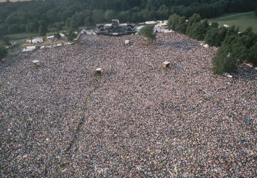 The crowds at Knebworth Park during a concert British rock band Queen, 9th August 1986. (Photo by Dave Hogan/Getty Images)