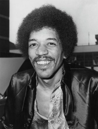 American guitarist, singer and songwriter Jimi Hendrix (1942 - 1970) arrives at Heathrow Airport, London, 27th August 1970. (Photo by Central Press/Hulton Archive/Getty Images)