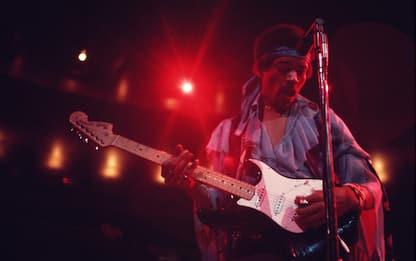 Jimi Hendrix, 50 anni fa moriva la superstar della chitarra rock. FOTO