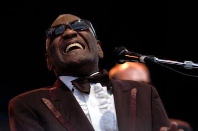 Ray Charles, il ricordo del padre del soul a 90 anni dalla sua nascita