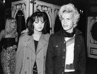 6th September 1979:  Billy Idol, singer of new wave pop group Generation X, at the Lyceum, London, with a friend, September 1979.  (Photo by Evening Standard/Getty Images)