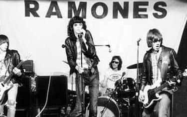 Una immagine tratta dalla pagina Facebook ufficiale dei Ramones, che ha dato notizia della morte a 62 anni, nella sua casa di New York, di Tommy Ramone, ultimo membro ancora in vita di una delle più note band del punk rock americano, attiva tra la seconda parte degli anni '70 e la prima metà degli anni '90, 12 luglio 2014. ANSA / FACEBOOK