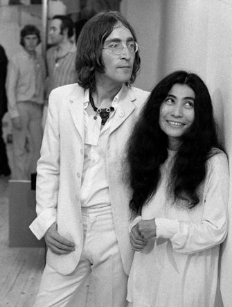 Beatle John Lennon (1940 - 1980) and his girlfriend Yoko Ono at the Robert Fraser Gallery in Duke St, Grosvenor Square, London, 1968. (Photo by Andrew Maclear/Hulton Archive/Getty Images)
